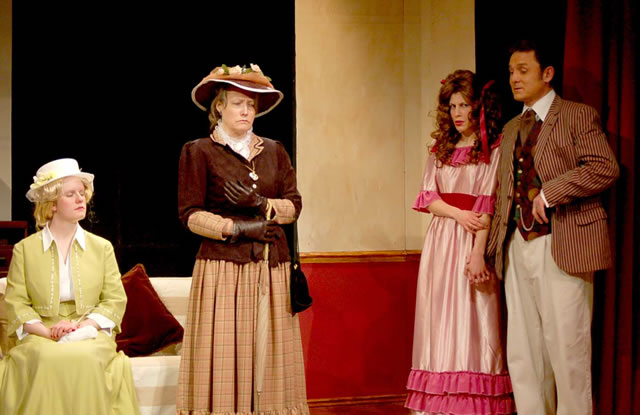 the role of gender in hedda gabler and the importance of being earnest Free essay: ibsen's hedda gabler portrays the societal roles of gender and sex   ibsen's hedda gabler versus oscar wilde's the importance of being earnest.